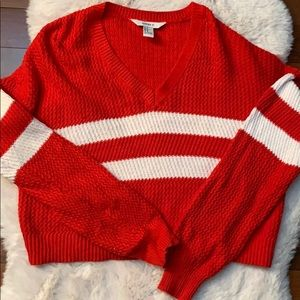 Forever 21 cropped sweater M